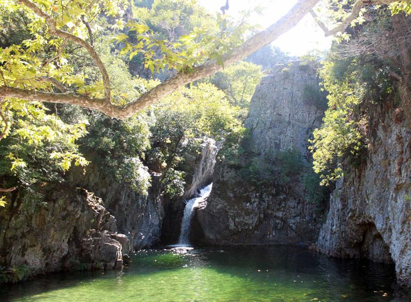 Οι βάθρες του Φονιά στη Σαμοθράκη | www.lightgear.gr