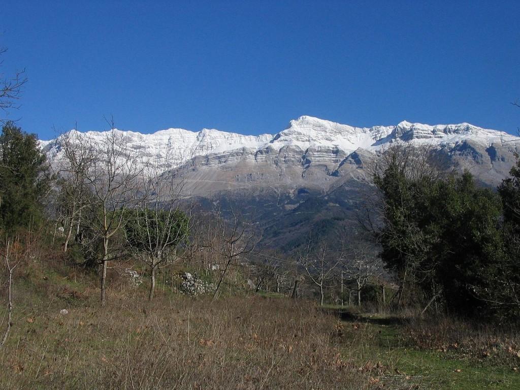 Άποψη της οροσειράς των Τζουμέρκων | www.lightgear.gr