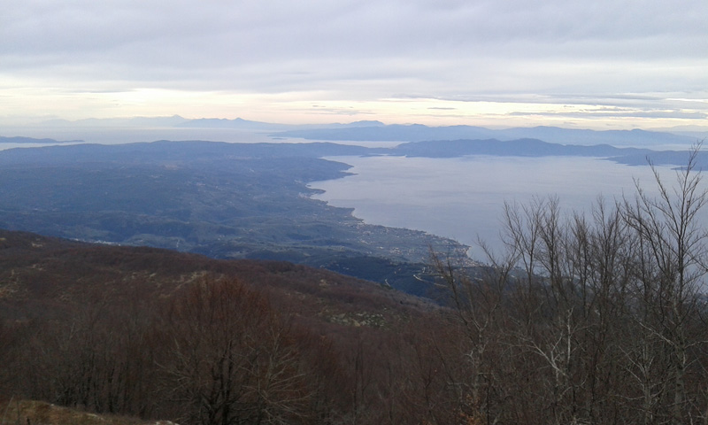 Πανοραμική θέα από την κορυφή Σχιτζουραύλι (1450 m) | www.lightgear.gr