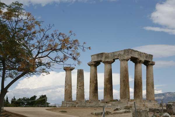 Ο Ναός Του Απόλλωνα Στην Αρχαία Κόρινθο | www.lightgear.gr