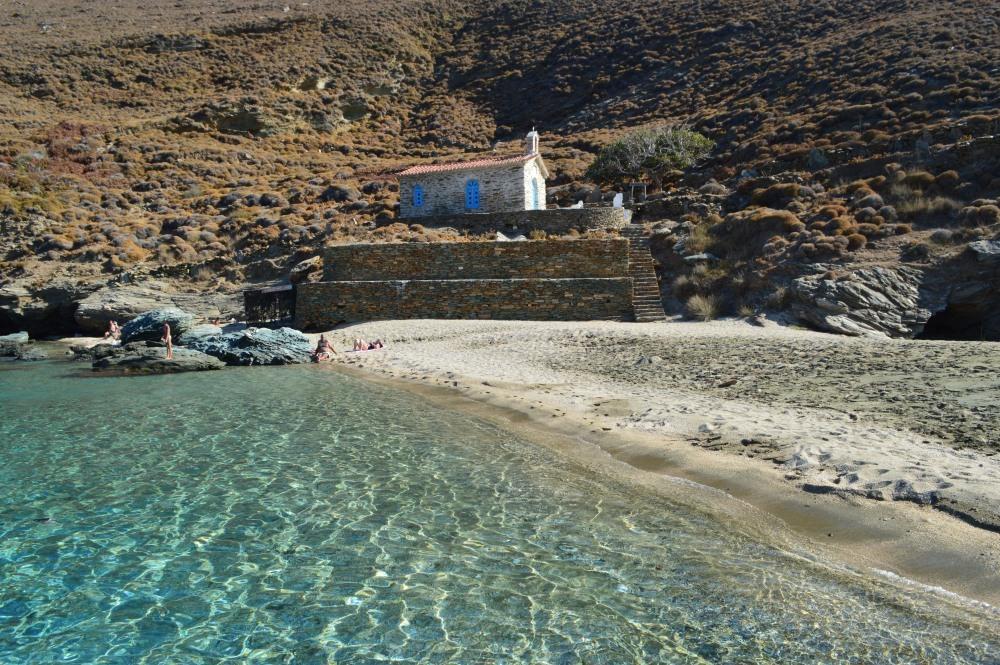 Παραλία Άχλα (πηγή: www.androsroutes.gr)| www.lightgear.gr