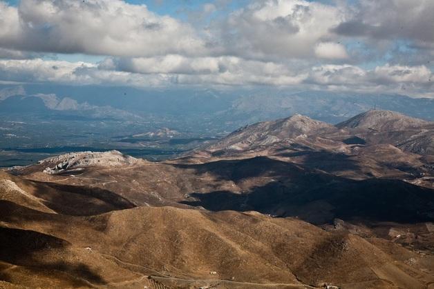 Πανοραμική θέα από τα Λευκά Όρη στην Κρήτη | www.lightgear.gr