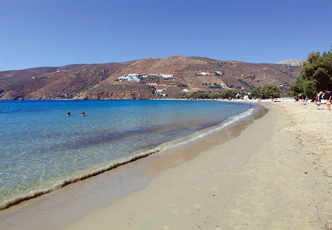 Η πανέμορφη παραλία της Αιγιάλης στην Αμοργό (πηγή: www.amorgos-island.gr/) | www.lightgear.gr